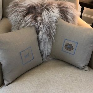 Pottery barn linen pillow set